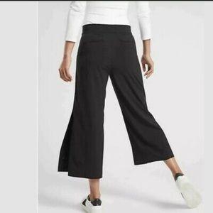 ATHLETA Tribeca Crop Pant Black